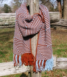 two-color scarf in modular knitting with fringe