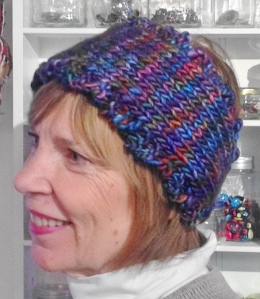 Knitted headband in Mafalde pattern